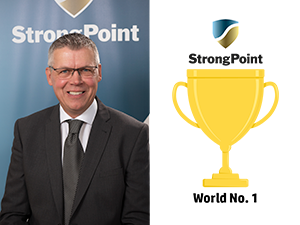 Leif Persson StrongPoint Labels Golden-Trophy web